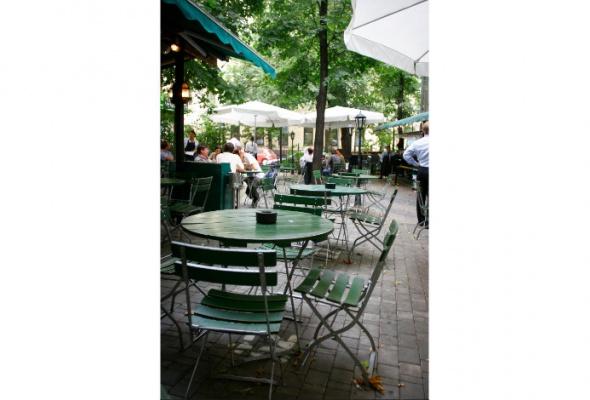 Летние веранды ресторанов - Фото №12