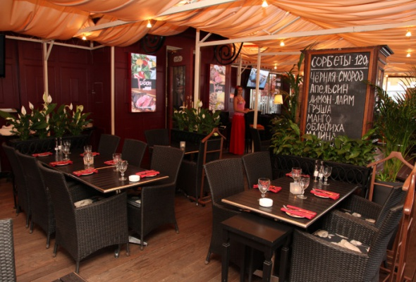 Летние веранды ресторанов - Фото №18