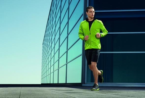 Вмагазин adidas привезли мужскую одежду Porsche - Фото №0