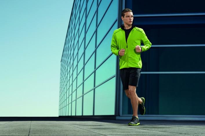 Вмагазин adidas привезли мужскую одежду Porsche