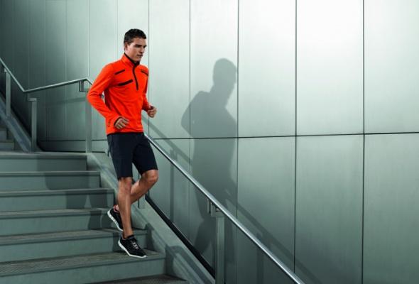 Вмагазин adidas привезли мужскую одежду Porsche - Фото №6