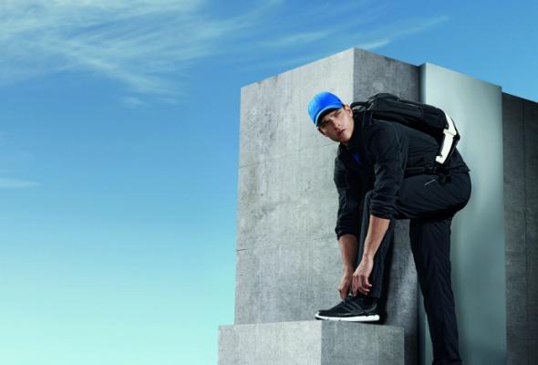 Вмагазин adidas привезли мужскую одежду Porsche - Фото №2