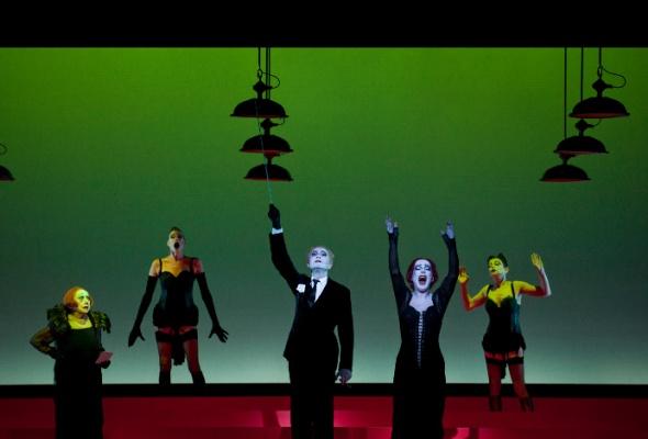 Павел Антонов. Театр Роберта Уилсона - Фото №1