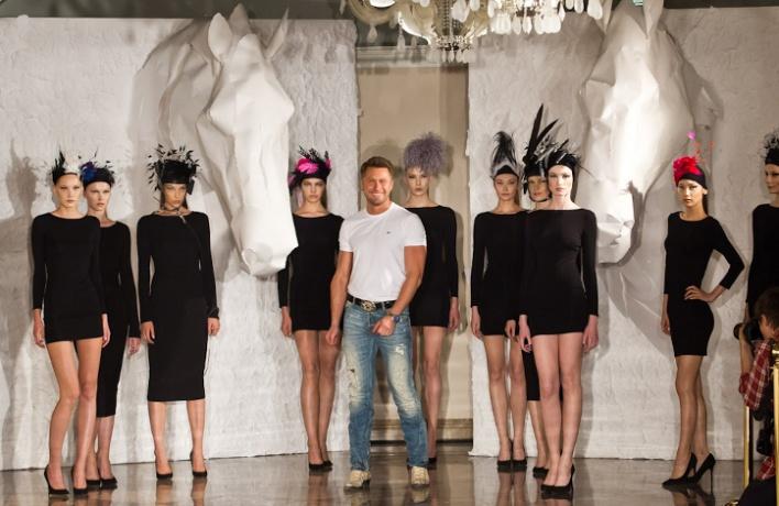 Konstantin Gayday создал коллекцию шляпок для скачек