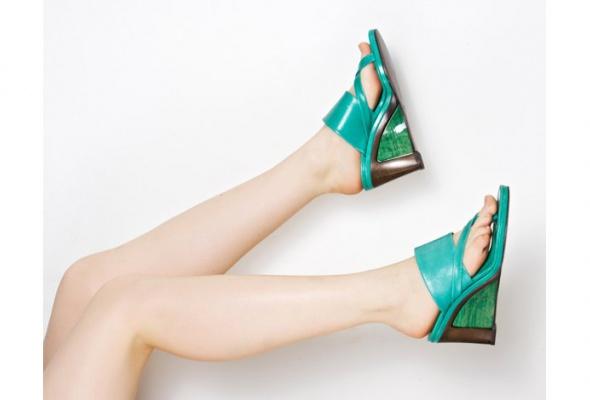 Стоковый магазин одежды Second Friend Stock открывает обувной корнер - Фото №1