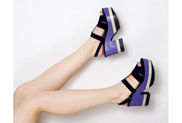 Стоковый магазин одежды Second Friend Stock открывает обувной корнер - Фото №0