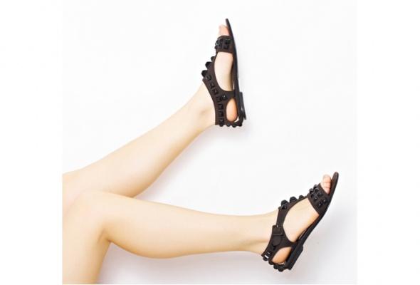 Стоковый магазин одежды Second Friend Stock открывает обувной корнер - Фото №7
