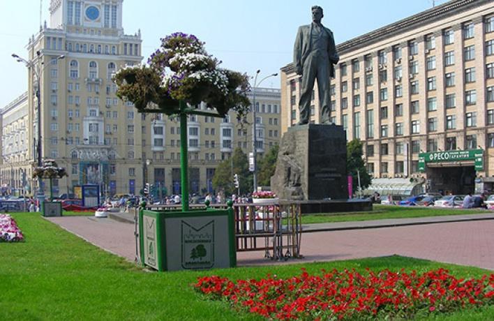 Триумфальную площадь избавили отстихийной парковки