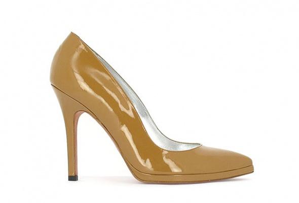 Где найти: Туфли цвета ньюд - Фото №1