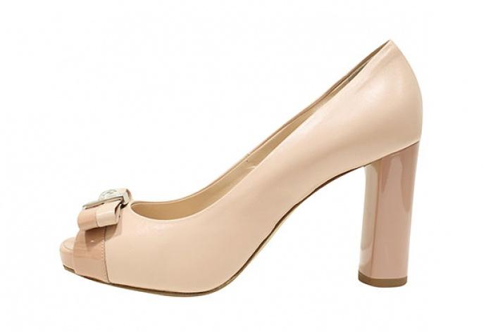 Где найти: Туфли цвета ньюд
