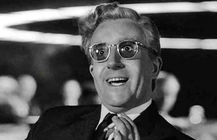 """""""Кинопробы. Это безумный безумный, безумный мир"""": """"Доктор Стрейнджлав, или как я перестал бояться и полюбил бомбу"""""""