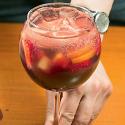 Безалкогольная клубничная сангрия