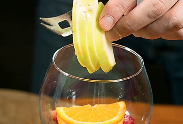 Безалкогольная клубничная сангрия - Фото №2