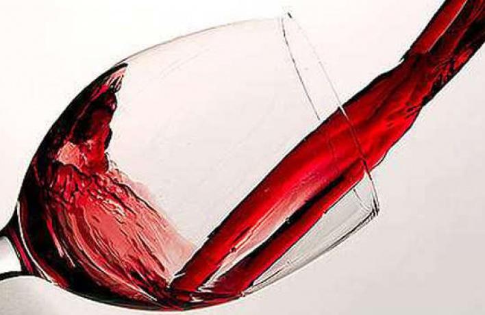 Вресторане ''Freeman's'' каждый вторник любой бокал вина обойдется в100 рублей