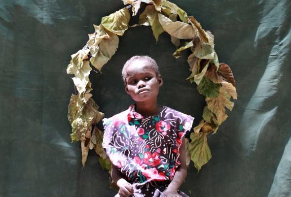 «Мне было неловко фотографировать эту девочку, ведь она немогла убежать» - Фото №4