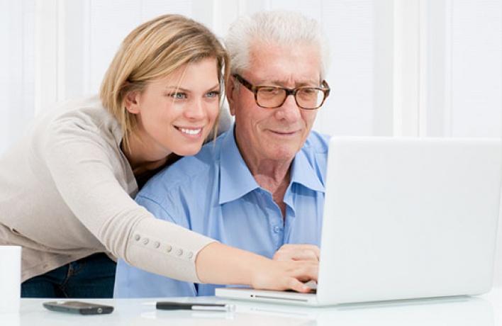КЦЗИЛ научит пенсионеров пользоваться соцсетями