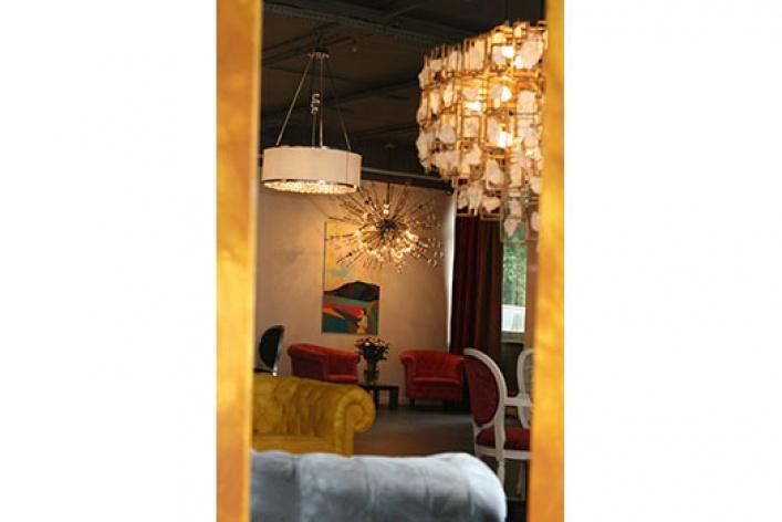 Салон мебели и света