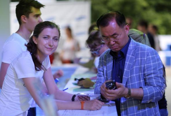 Компания Samsung презентовала новый смартфон GALAXY S4zoom - Фото №0