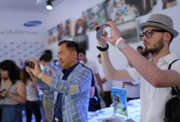 Компания Samsung презентовала новый смартфон GALAXY S4zoom - Фото №2