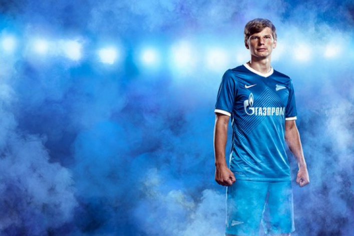 «Зенит» иNike представили новую форму петербургского футбольного клуба