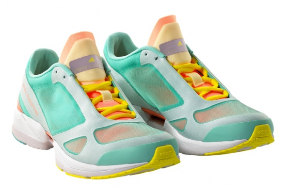 Яркие кроссовки - Фото №0