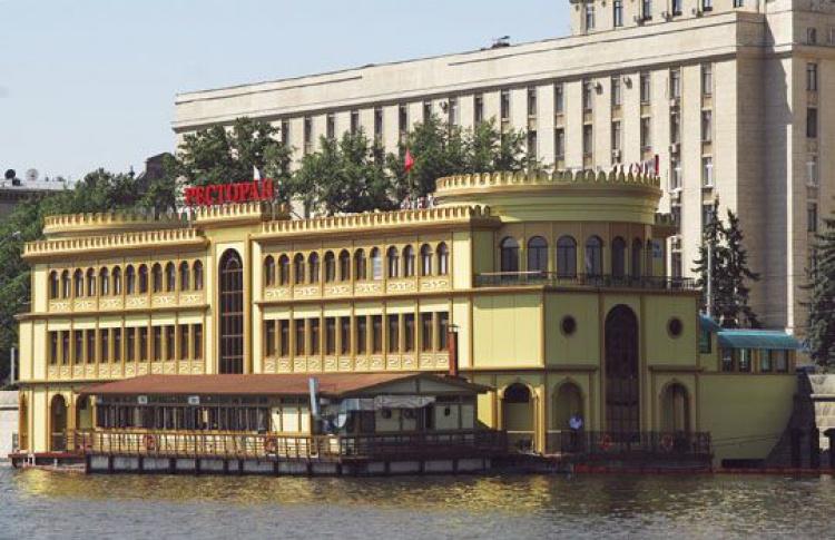 Плавучих ресторанов наМоскве-реке больше небудет