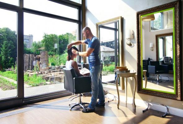 Стрижки иманикюр всалоне спрекрасным видом Beauty Corner - Фото №0