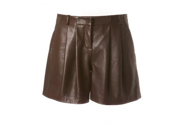 Тренд: летняя одежда изкожи - Фото №24