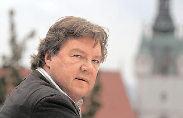 Роберт Холл (Нидерланды)