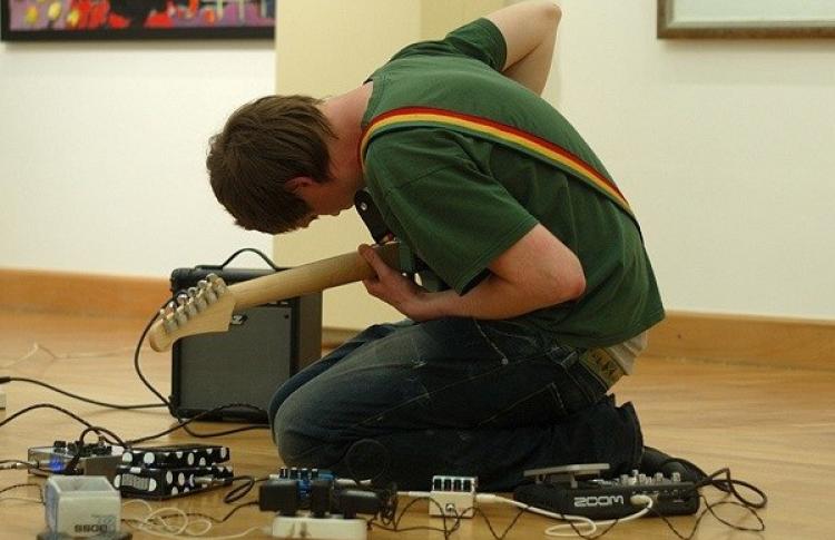 Фестиваль Noise & Sluts