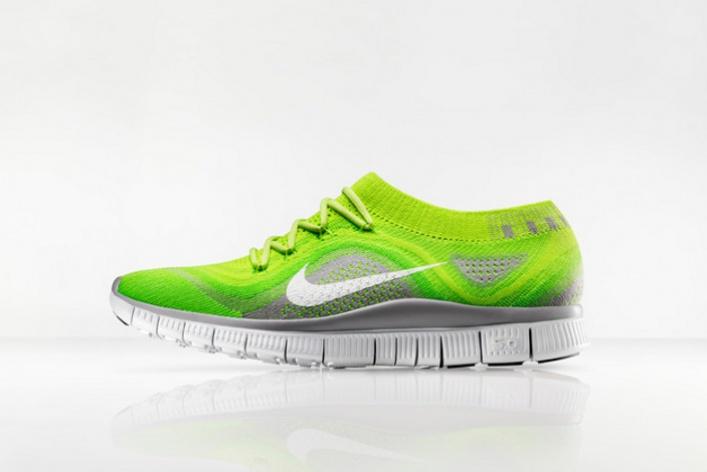 Впродажу поступили новые кроссовки Nike