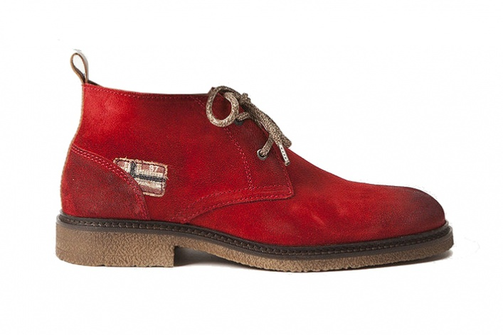 15пар мужских ботинок нараннюю осень