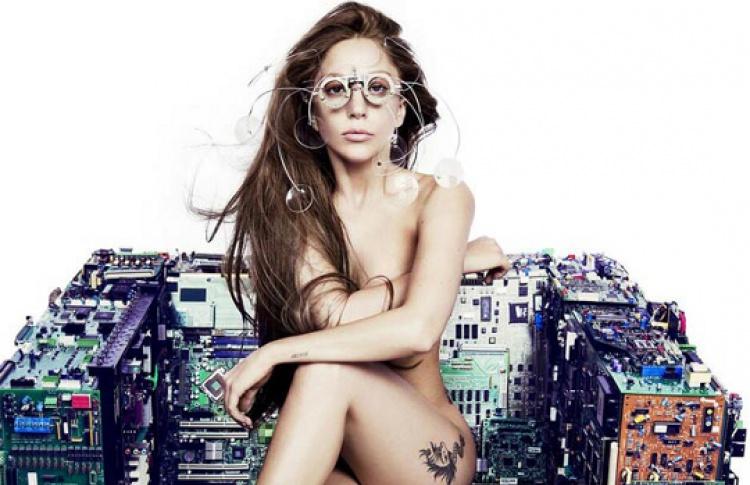Клип нановый сингл Леди Гаги сняли голландские фэшн-фотографы