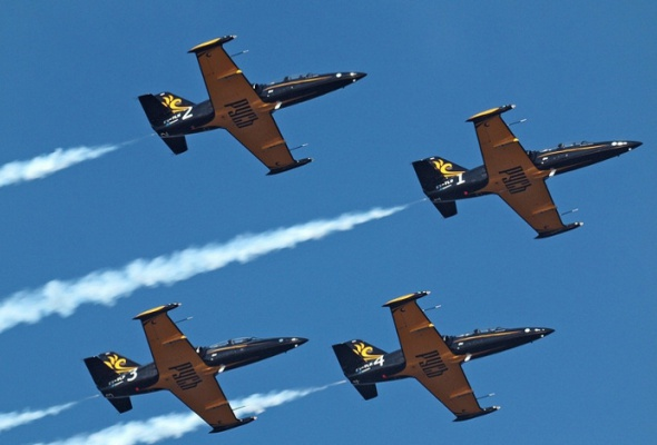 Высший пилотаж «Золотой Бочки» наМАКС - Фото №0
