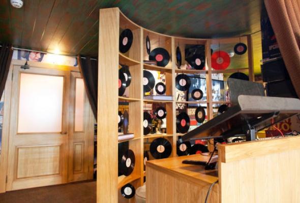 Караоке-бар Микрофон - Фото №1