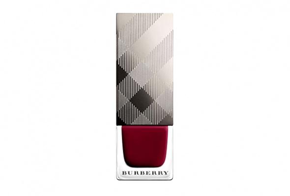 Первый лак для ногтей отBurberry - Фото №2