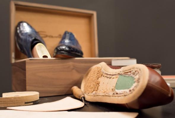 Итальянский обувной бренд Santoni запускает услугу Made-to-Measure - Фото №1