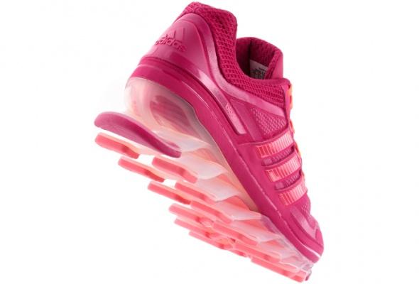 Новые кроссовки adidas поставили на«трамплины» - Фото №0