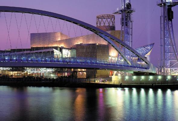 Увлекательная история: Манчестер & Ливерпуль - Фото №1