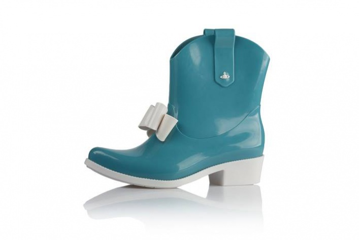 Резиновая обувь: для нее