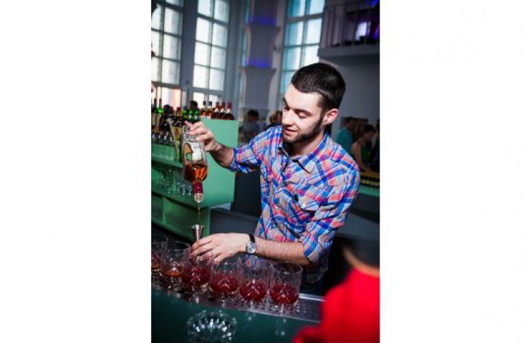 «ƒАпперкот» — сражение барменов