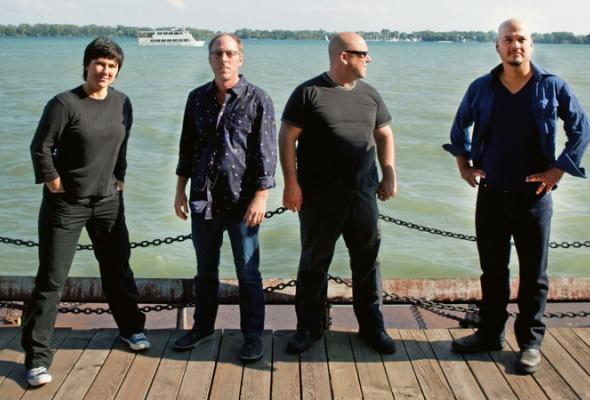 Концерт Pixies вПариже— прямая трансляция насайте Time Out - Фото №1