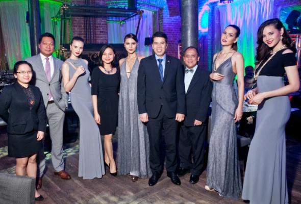 ВМоскве прошел модный показ коллекций филиппинских дизайнеров ижемчуга Jewelmer International - Фото №7