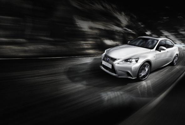 Стартовали продажи нового поколения Lexus IS - Фото №0