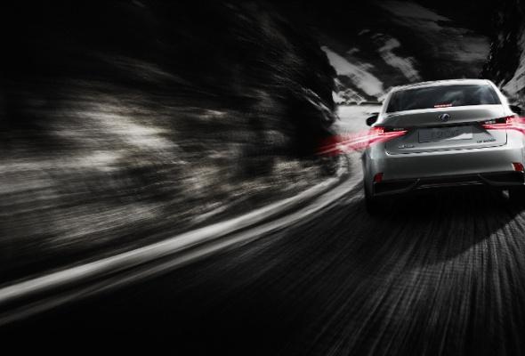 Стартовали продажи нового поколения Lexus IS - Фото №1