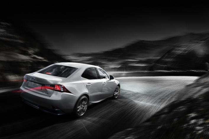 Стартовали продажи нового поколения Lexus IS