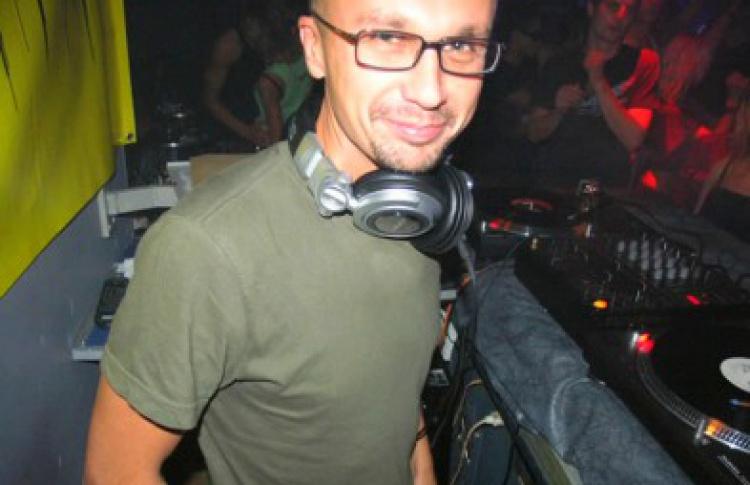 Четверги Санчеса: DJs Санчес vs Кубиков, Студитский, VJ Addams