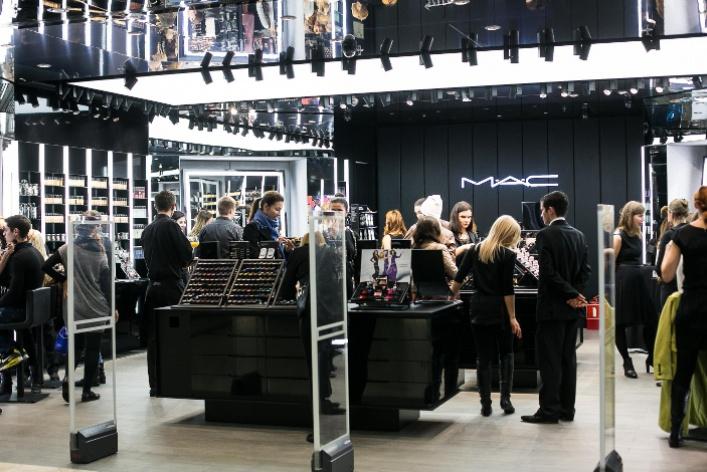 Обновленный косметический магазин MAC