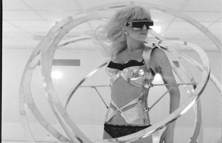 Леди Гага споет вкосмосе