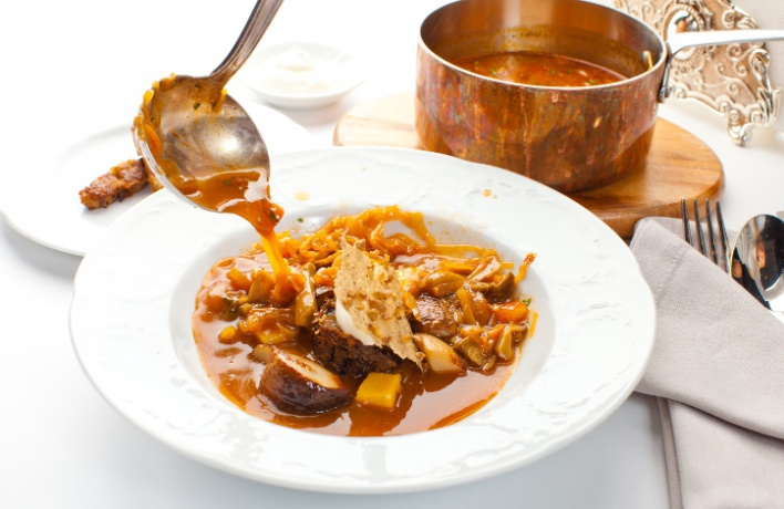 Зимняя еда: горячие супы